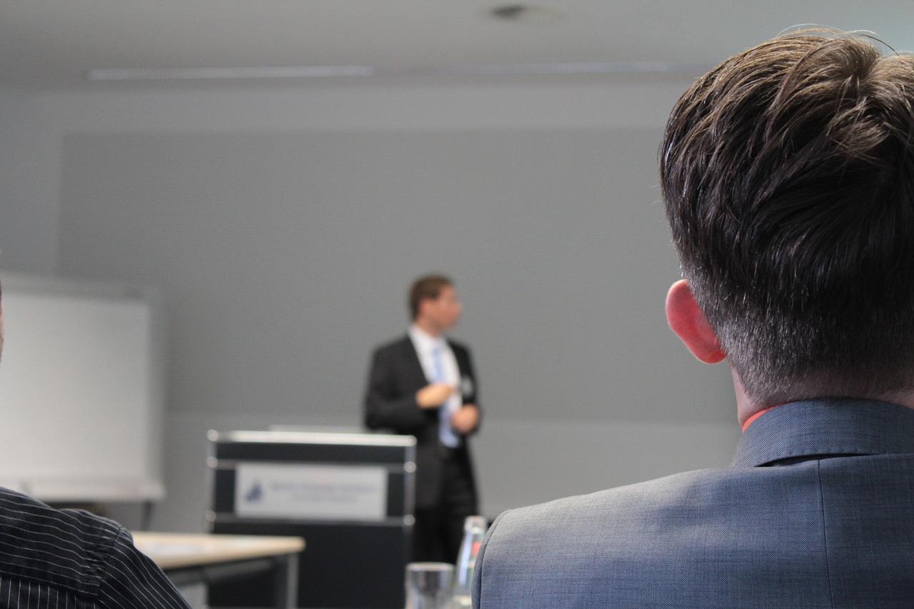 Onlinekurs Aktien Akademie mit gut zu verarbeitenden Lerninhalten