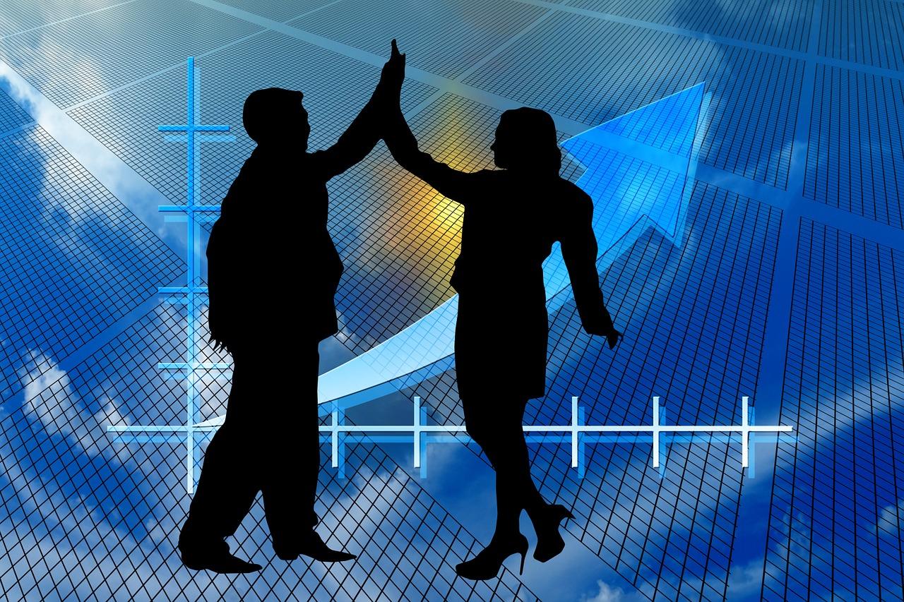Freude bei Anlegern. Durch den Wegfall der Strafsteuer wegen Intransparenz eröffnen sich weitere Investmentmöglichkeiten für Anleger.