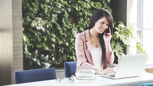 Finanzielle Unabhängigkeit öffnet den Weg tagtäglich Tätigkeiten auszuüben, die einem Freunde bereiten und Sinn ergeben.
