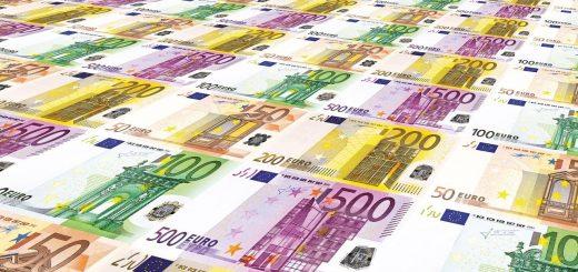 Cash is King - zahlreiche Euro-Geldscheine